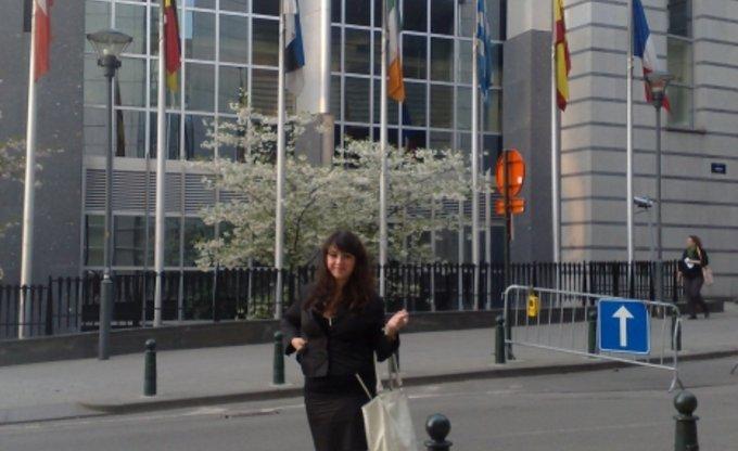 Vor der EU-Parlament